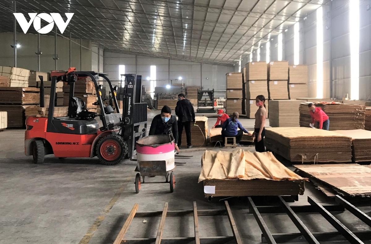 Lâm sản và sản phẩm từ gỗ vẫn là mặt hàng xuất khẩu chủ lực trong năm 2020.