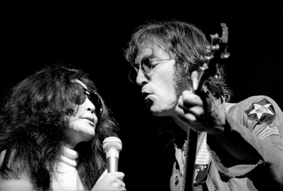 Từ những cảm xúc khi được trò chuyện với John và Yoko, Hamill đã ghi lại những khoảnh khắc hiếm có của cặp đôiở New York.