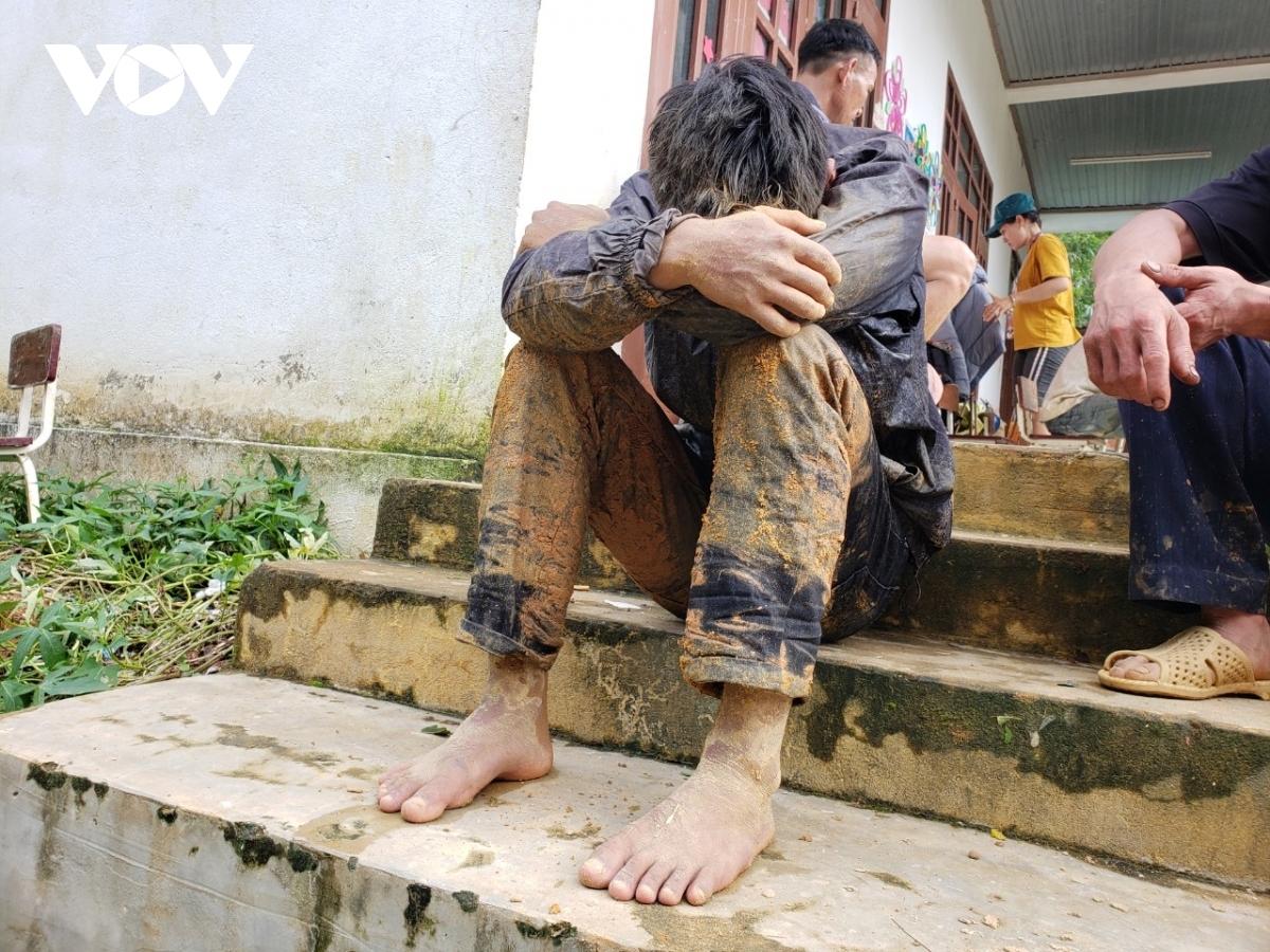 Người dân thoát chết trong vụ sạt lở đất ở Trà Leng vẫn chưa hết bàng hoàng.