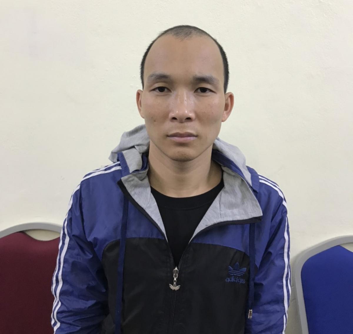 Đối tượng Lê Văn Phúc tại cơ quan điều tra. (Ảnh: Công an Quảng Ninh).
