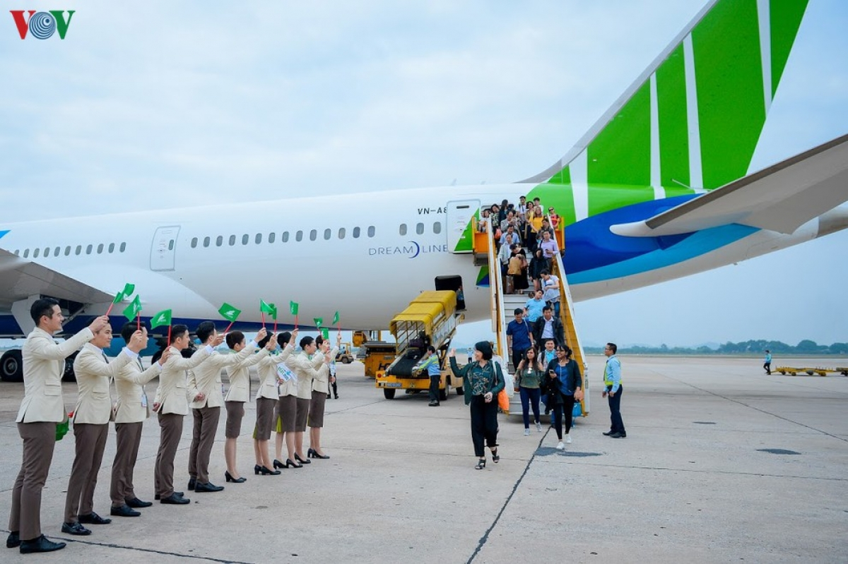 Bamboo Airways thông báo lỗ cả nghìn tỷ đồng do dịch Covid-19.