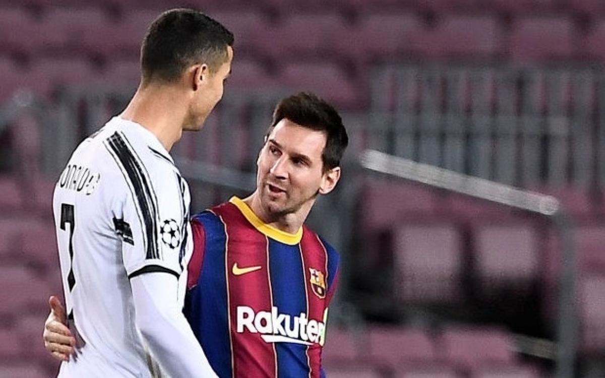Messi ngưỡng mộ Ronaldo (Ảnh: Getty).