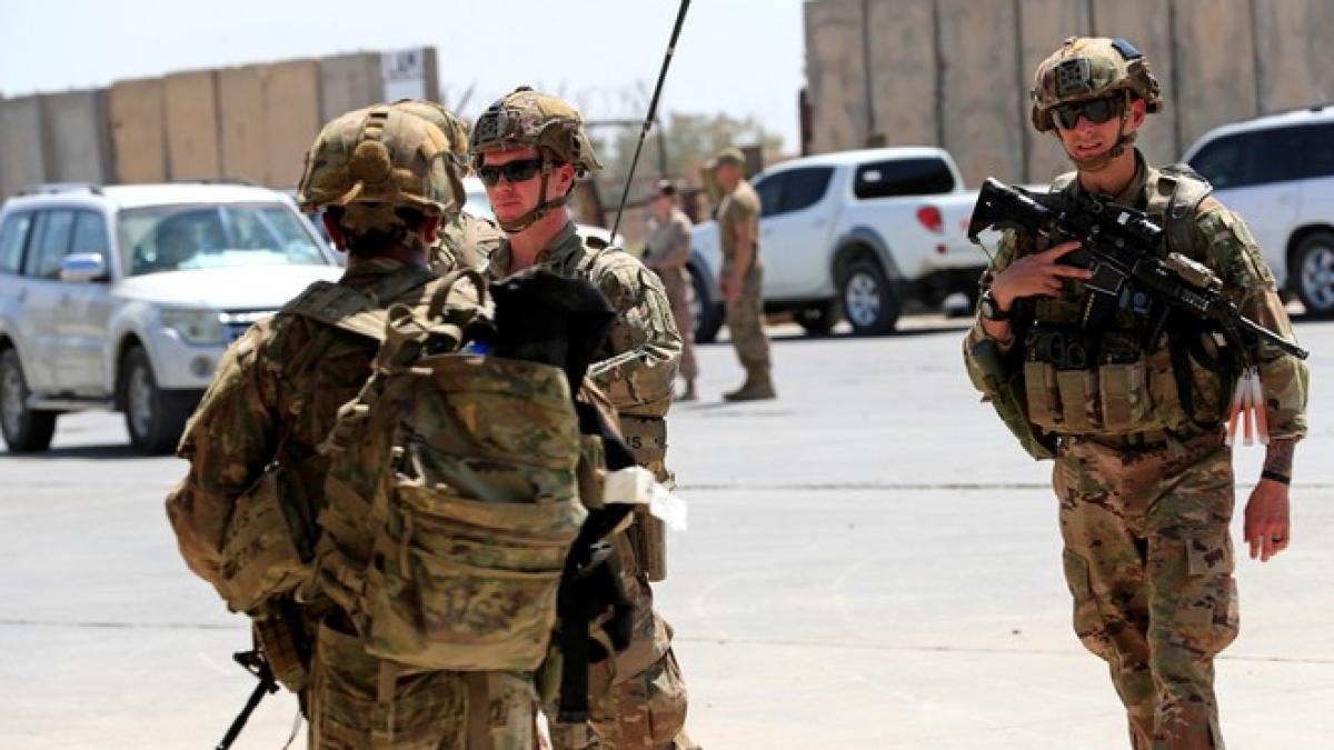 Lính Mỹ tại căn cứ Taji. Ảnh REUTERS.
