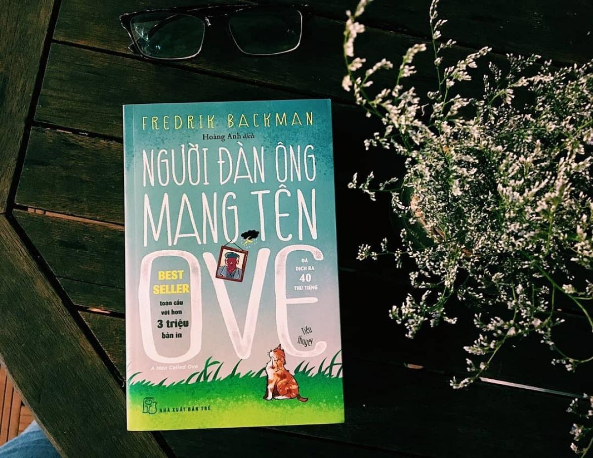 Tiểu thuyết Người đàn ông mang tên Ove đem tới cho người đọc niềm vui sống giản dị. Ảnh: Sachdenroi.