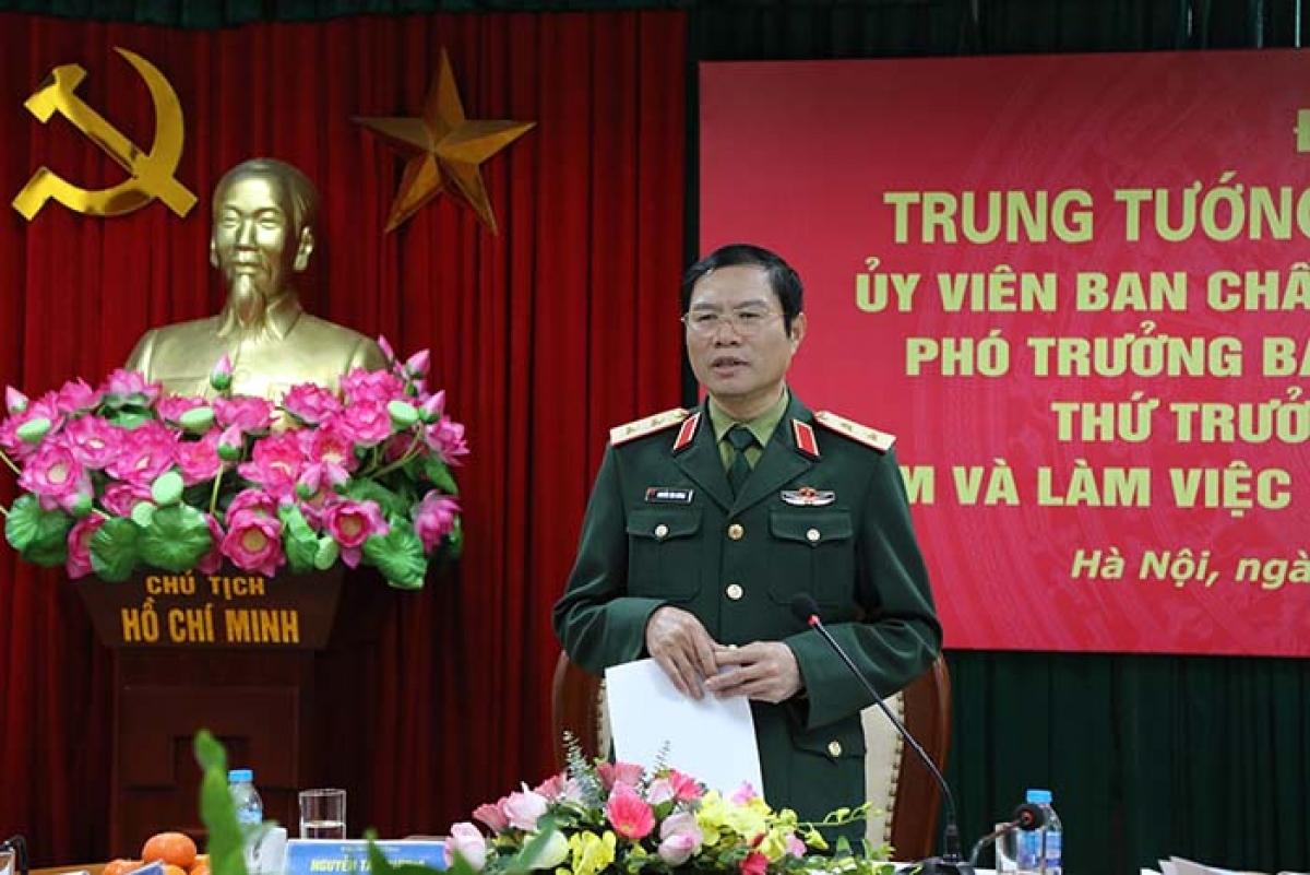 Trung tướng Nguyễn Tân Cương phát biểu tại buổi làm việc. (Ảnh: mod.gov.vn)