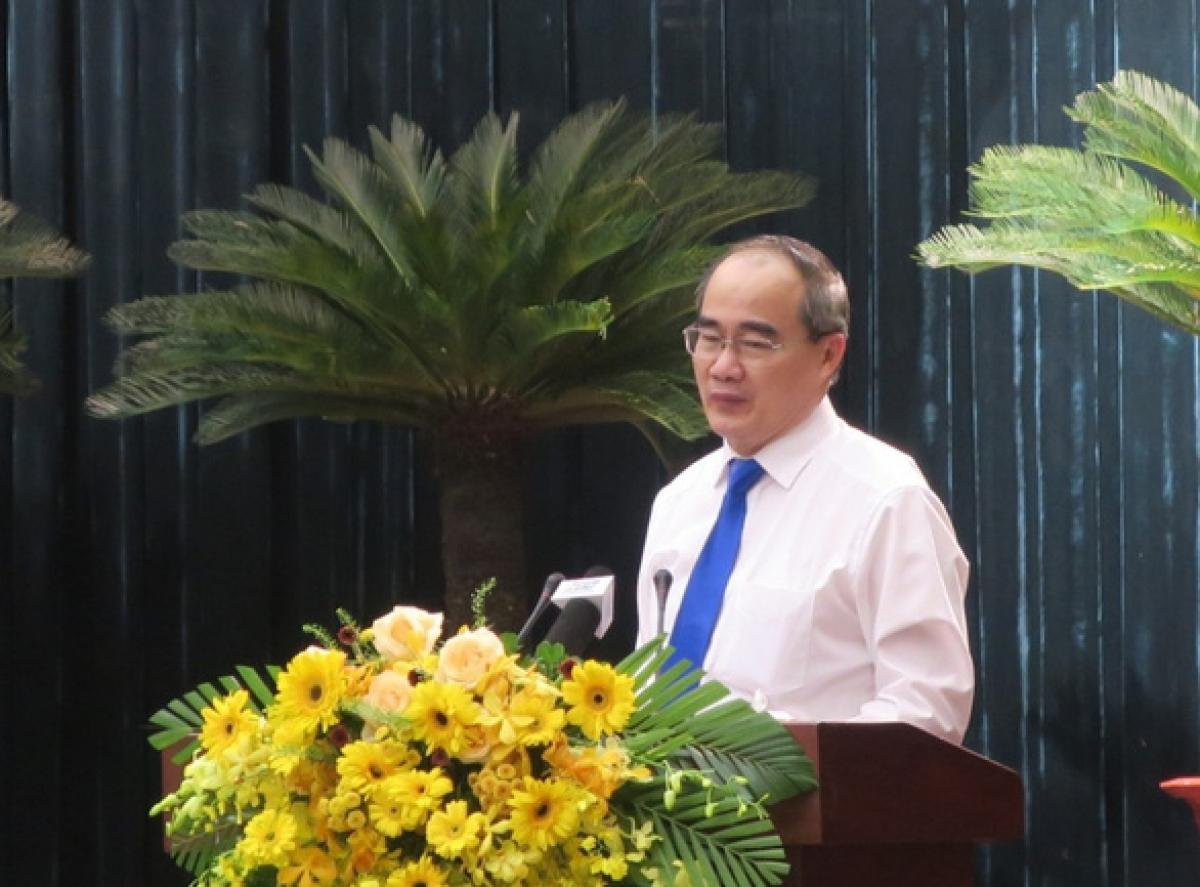 Ông Nguyễn Thiện Nhân - ủy viên Bộ Chính trị, trưởng Đoàn đại biểu Quốc hội TP, theo dõi và               chỉ đạo Đảng bộ TP - phát biểu tại hội nghị - Ảnh: T.T.D/Tuổi trẻ