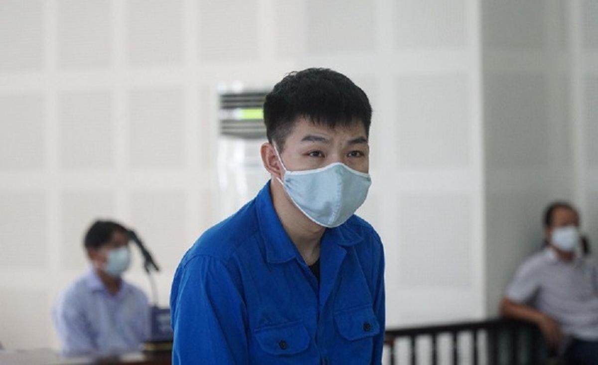 Thời gian vừa qua, hàng loạt vụ án về đưa người nhập cảnh trái phép đã được đưa ra xét xử trên cả nước. Ngày 29/8/2020, TAND TP Đà Nẵng mở phiên xử Chen Xian Fa (27 tuổi, Trung Quốc), Hồ Thị Thu Trinh (24 tuổi, ngụ Quảng Nam) và Huỳnh Ngọc Diễm (41 tuổi, ngụ TP Đà Nẵng) cùng về tội Tổ chức cho người khác nhập cảnh vào Việt Nam trái phép. (Ảnh: Pháp luật TP HCM)