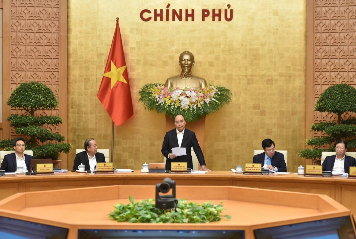 Thủ tướng Nguyễn Xuân Phúc nhấn mạnh chúng ta thực hiện mục tiêu kép nhưng ưu tiên bảo vệ sức khỏe người dân là quan trọng nhất. Ảnh: VGP/Quang Hiếu.