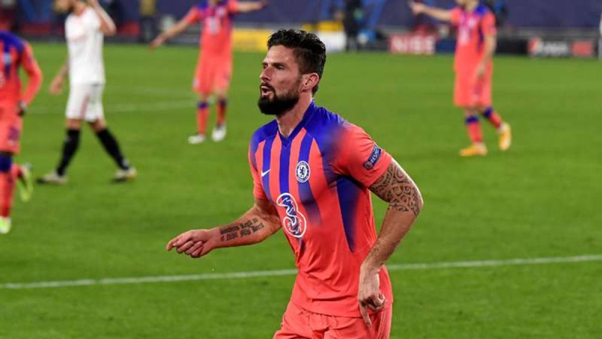 Giroud ghi được 4 bàn thắng trong trận đấu rạng sáng nay với Sevilla. (Ảnh: Getty).