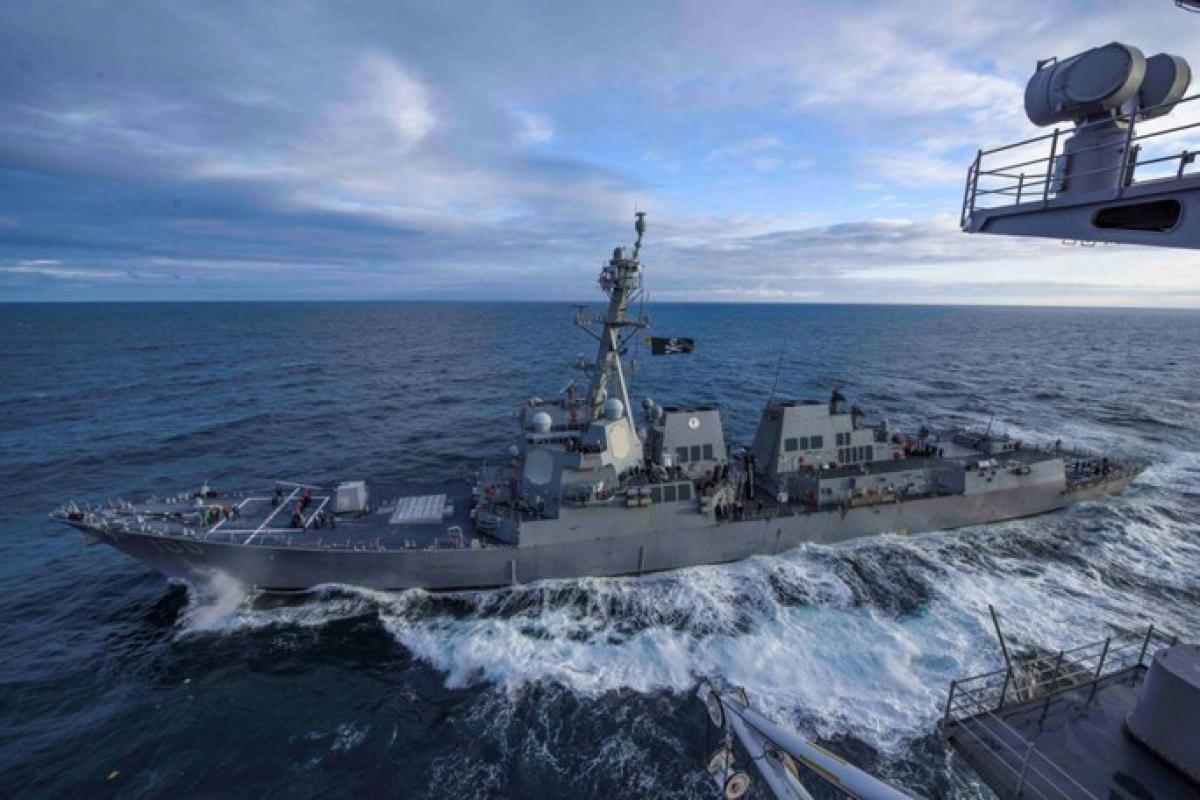 Mỹ đã điều nhiều tàu chiến thực hiện chiến dịch tự do hàng hải trong khu vực để chống Trung Quốc. Ảnh: Reuters.