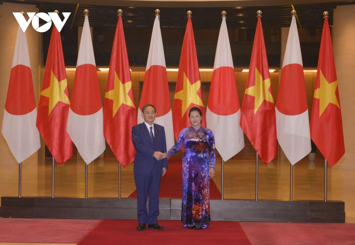 Thủ tướng Nhật Bản Suga Yoshihide hội kiến Chủ tịch Quốc hội Nguyễn Thị Kim Ngân.