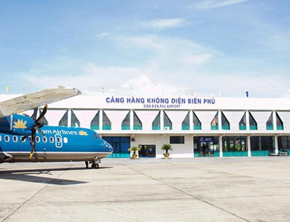 Định hướng đến năm 2050, Việt Nam có 30 cảng hàng không, bao gồm: 15 cảng hàng không quốc tế, 15 cảng hàng không nội địa.
