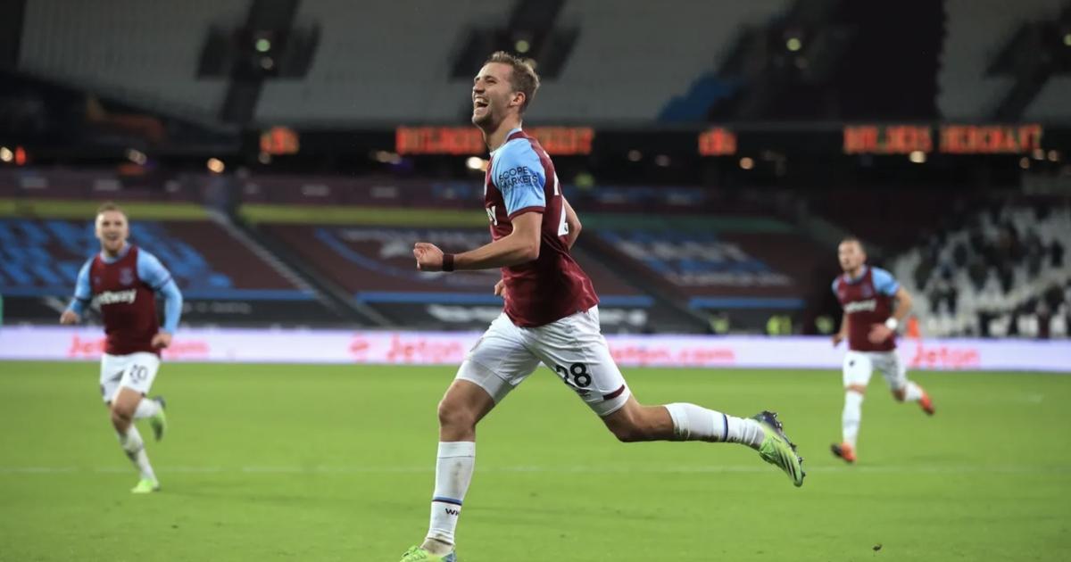 Soucek ăn mừng bàn thắng mở tỷ số cho West Ham. (Ảnh: Premier League).