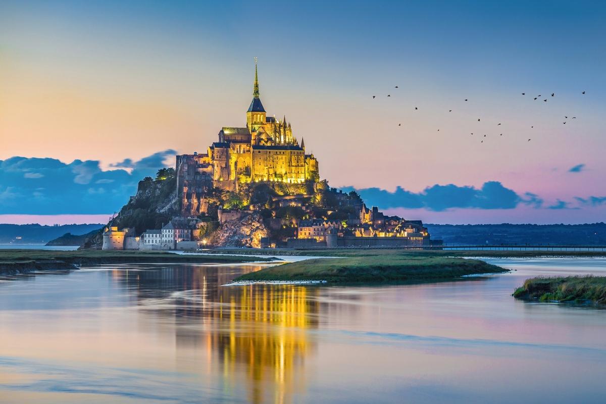 Lâu đài trên đảo Mont Saint-Michel, Pháp. Nguồn: Shutterstock