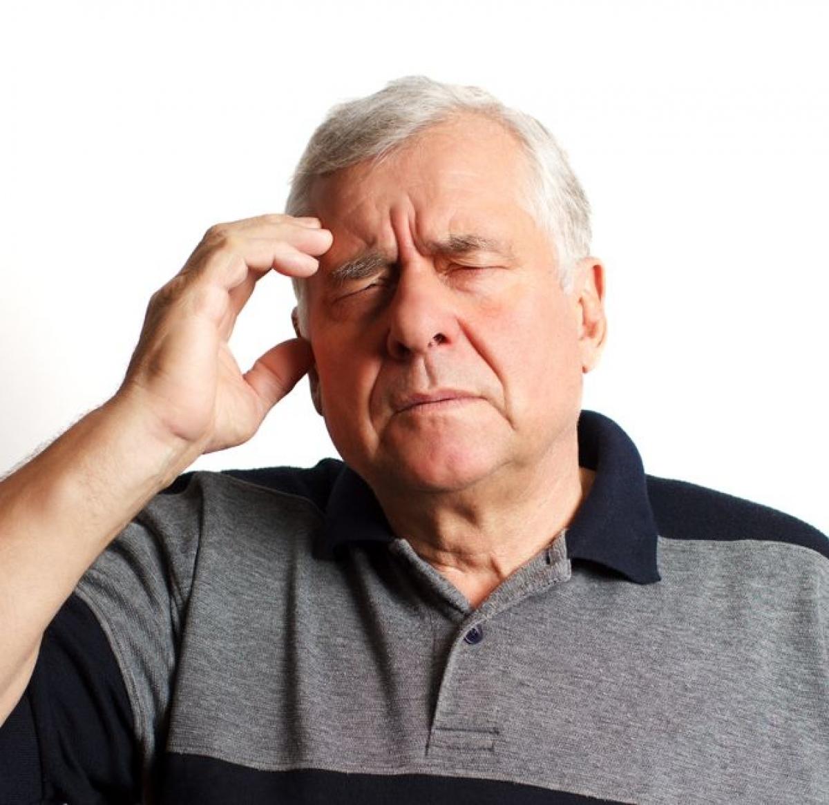 Stress: Nghiên cứu cho thấy những người dễ cáu gắt và dễ mất bình tĩnh có nguy cơ đột quỵ cao hơn những người có khả năng chịu đựng áp lực cao. Chuyên gia cũng chỉ ra rằng căng thẳng kéo dài làm tăng nguy cơ đột quỵ và đau tim.