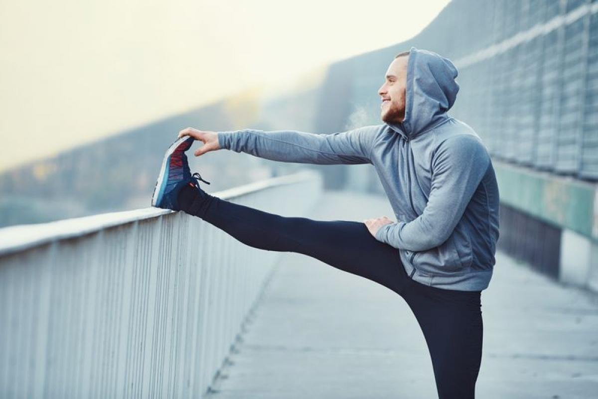 Lười vận động: Những người tập thể dục thường xuyên ít có nguy cơ đột quỵ hơn. Những bài tập nhẹ nhàng như đi bộ, đạp xe hay bơi đều có thể giúp giảm đáng kể nguy cơ mắc đột quỵ.