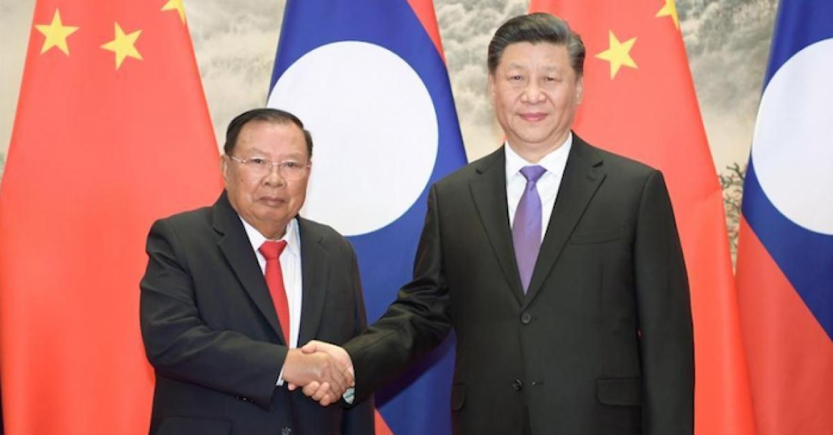 Chủ tịch Trung Quốc Tập Cận Bình và Tổng Bí thư, Chủ tịch Cộng hòa dân chủ nhân dân Lào Bounnhang Vorachith trong cuộc gặp tại Bắc Kinh năm 2019. Ảnh: Tân Hoa xã.