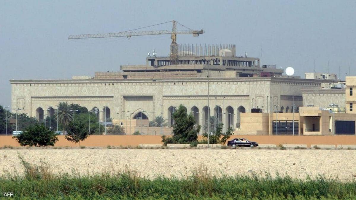 Tên lửa tấn công nhằm Đại sứ quán Mỹ ở Iraq. (Ảnh AFP)