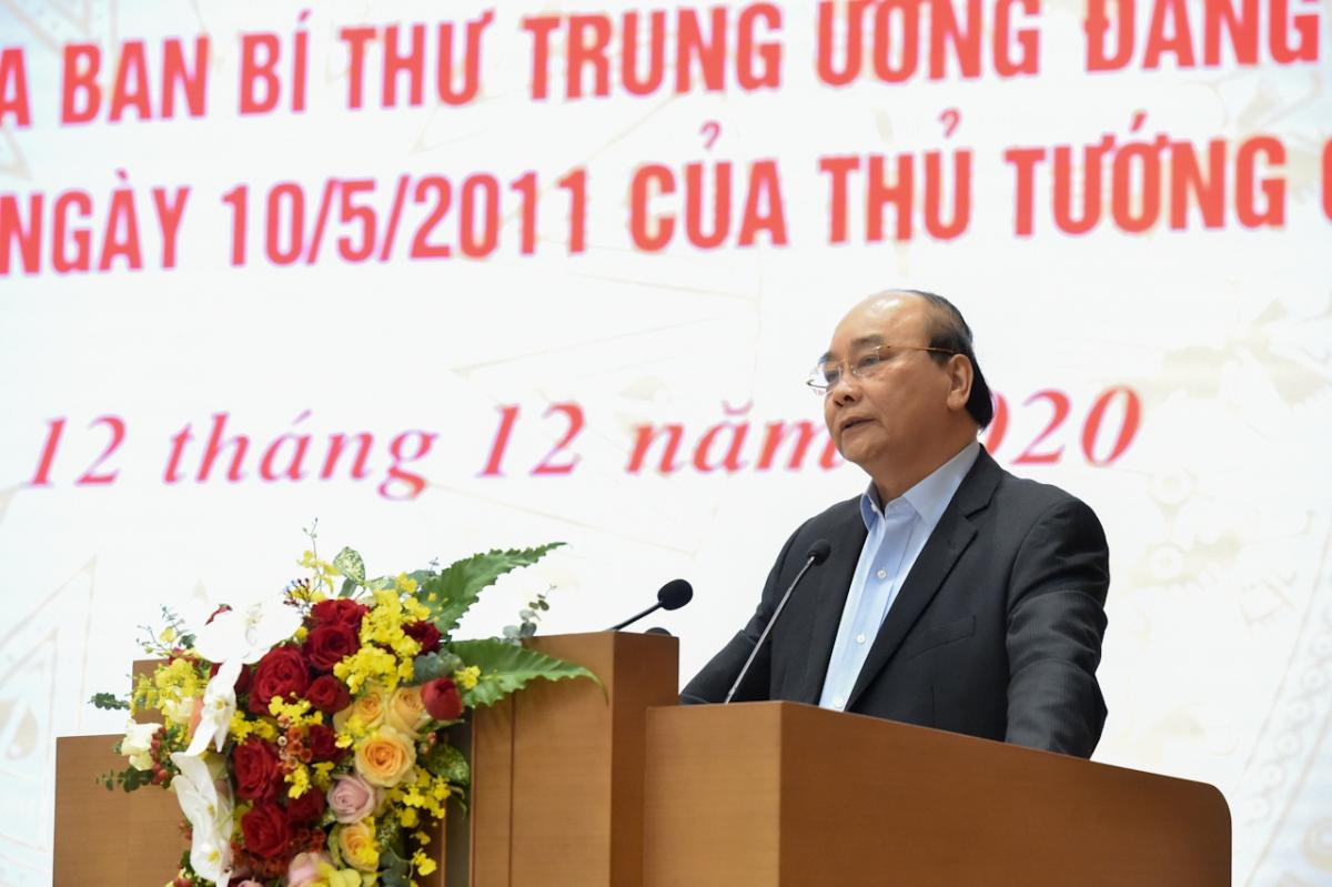 Thủ tướng Nguyễn Xuân Phúc nhấn mạnh tinh thần xây dựng một lớp nông dân mới có khoa học công nghệ, nắm chắc kinh tế.