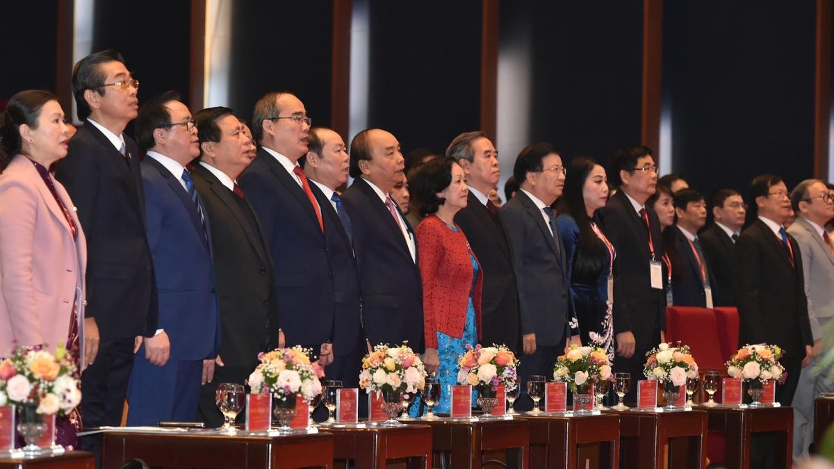 Thủ tướng Nguyễn Xuân Phúc cùng các đại biểu tham dự Đại hội đại biểu toàn quốc Liên minh Hợp tác xã Việt Nam lần thứ VI, nhiệm kỳ 2020 – 2025. (Ảnh VGP)