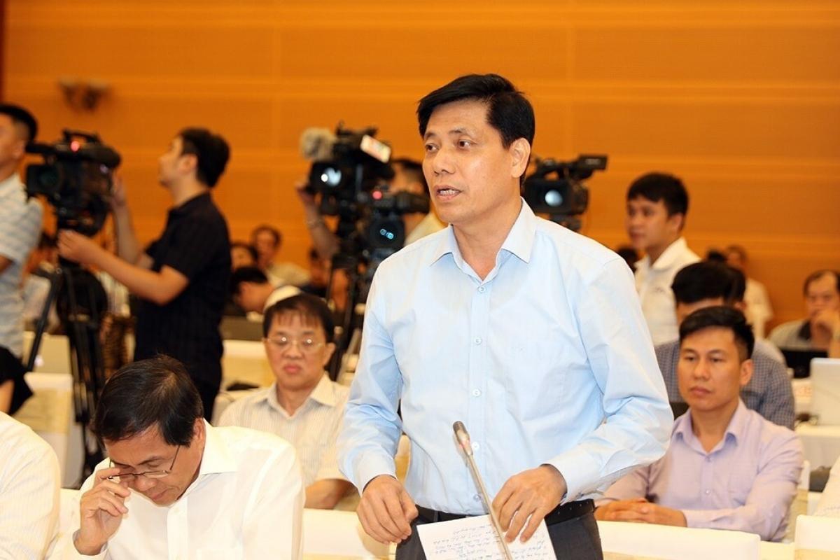 Tại cuộc Họp báo Chính phủ thường kỳ tháng 11 vào chiều 2/12,Thứ trưởng Bộ GTVT Nguyễn Ngọc Đông cho biết, từ nay đến hết 31/12 chưa thể hoàn lắp đặt hệ thống thu phí tự động không dừng tại các trạm thu phí như yêu cầu của Thủ tướng.