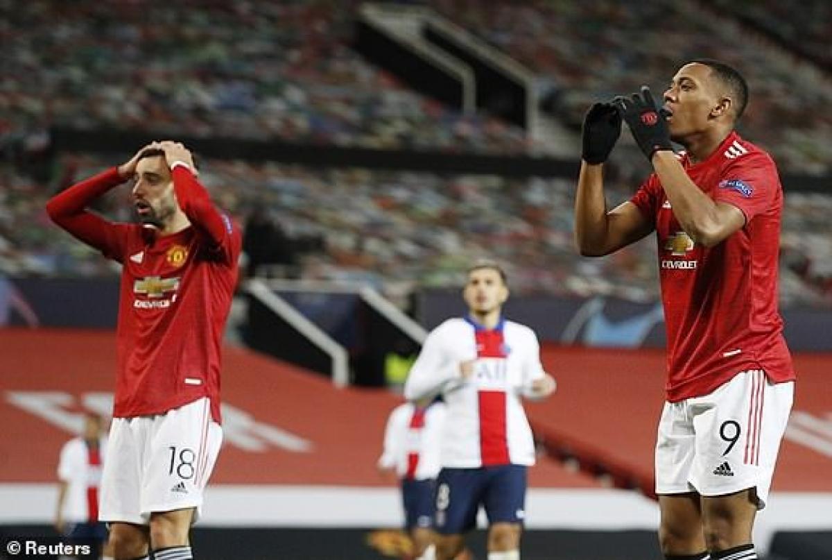 Nỗi thất vọng của Martial khi liên tục bỏ lỡ cơ hội ghi bàn. (Ảnh: Reuters).