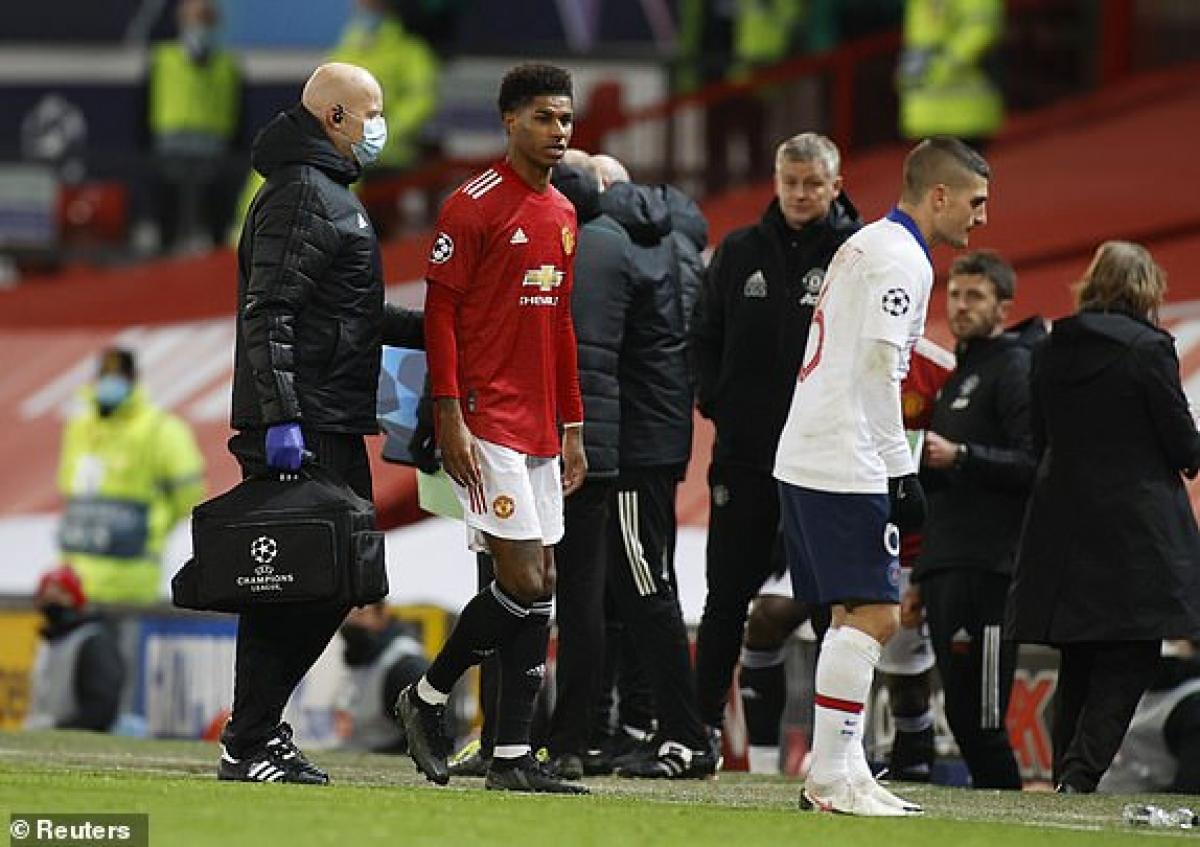 Rashford dính chấn thương, rời sân. (Ảnh: Reuters).