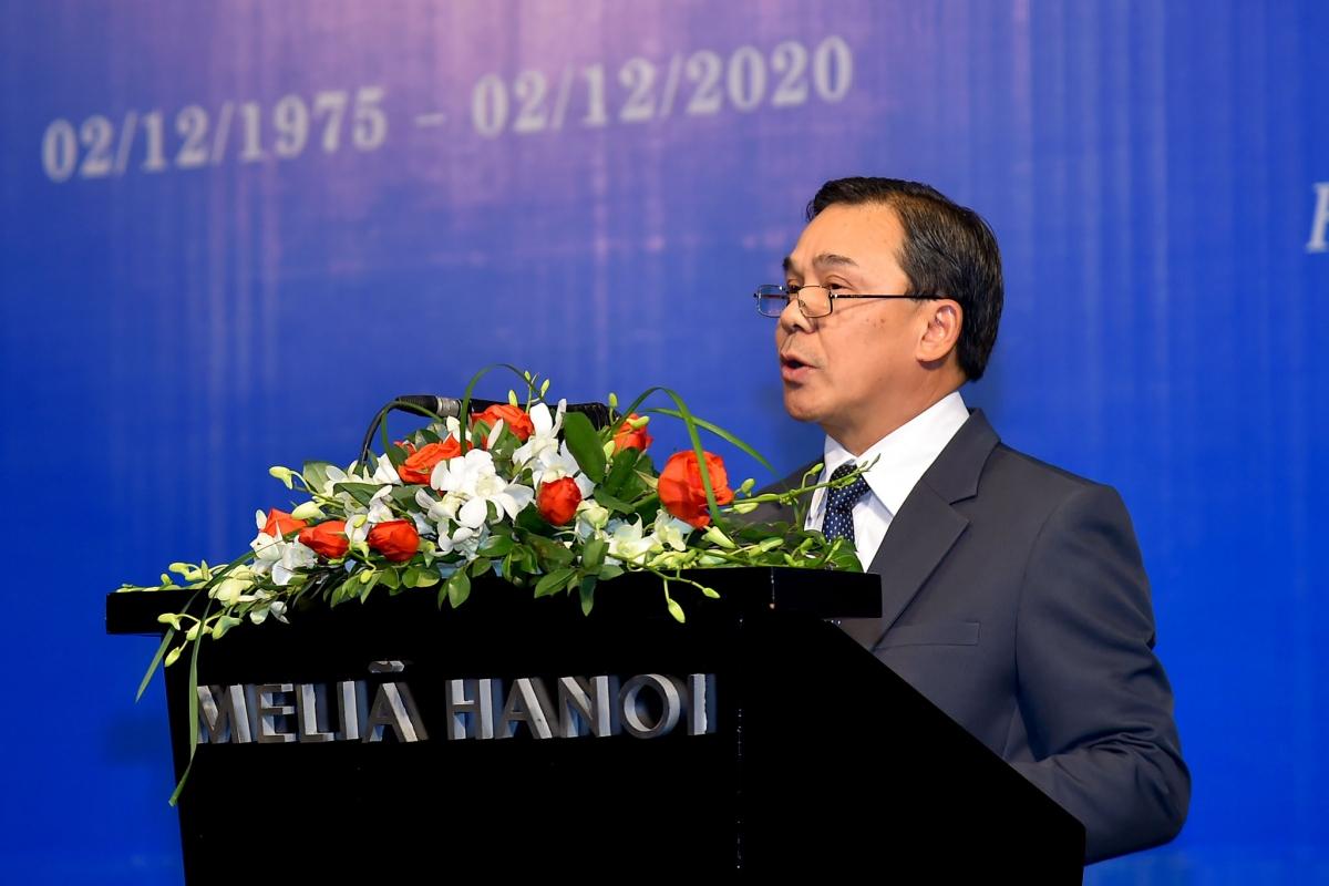 Đại sứ Lào Sengphet Houngboungnuang phát biểu tại buổi chiêu đãi.