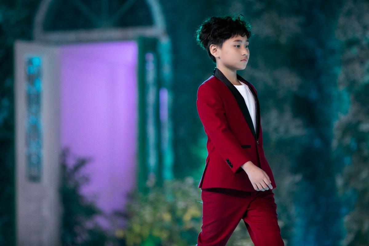 """Ngoài ra, Vũ Ngọc Trọng Phương còn là thí sinh có số điểm cao nhất trong vòng thi đầu tiên của chương trình """"Ngôi sao tài năng Việt Nam""""."""