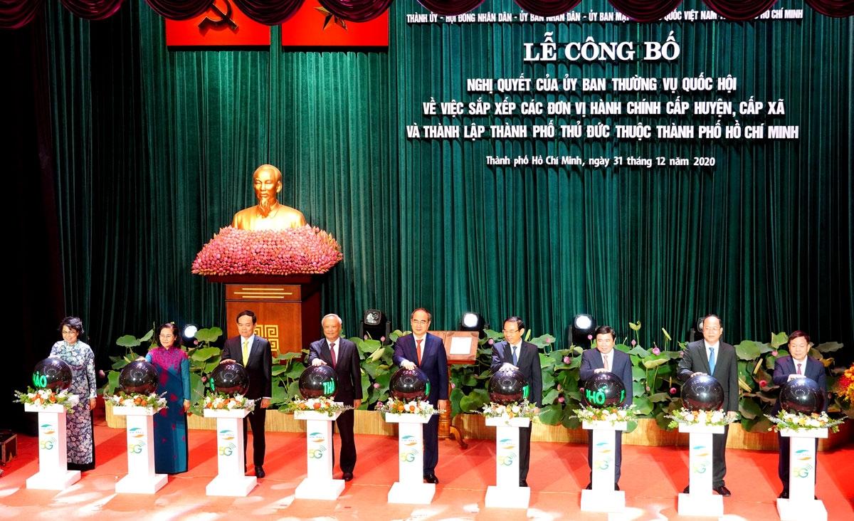 Lãnh đạo Đảng, Nhà nước và TPHCM ấn nút khai trương mạng di động 5G tại TPHCM