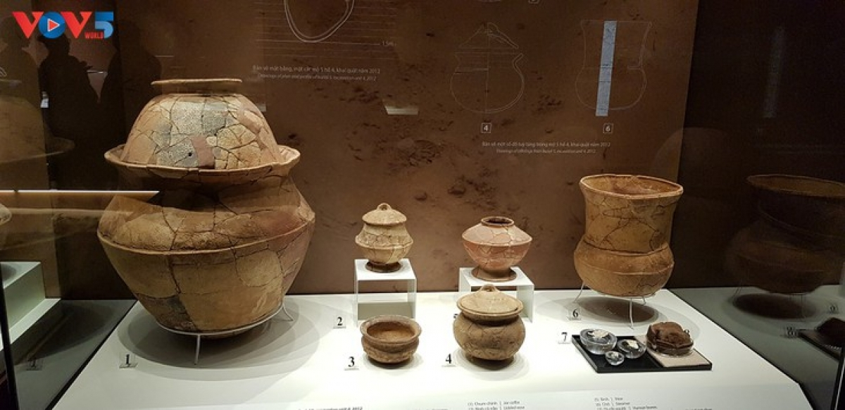 Objects found at the Bai Coi Relic Site. (Photo: Ngoc Anh/VOV5)