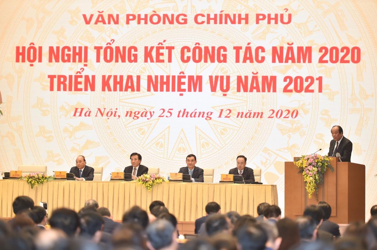 Thủ tướng Nguyễn Xuân Phúc dự Hội nghị tổng kết công tác của VPCP. (Ảnh: VGP/Quang Hiếu)