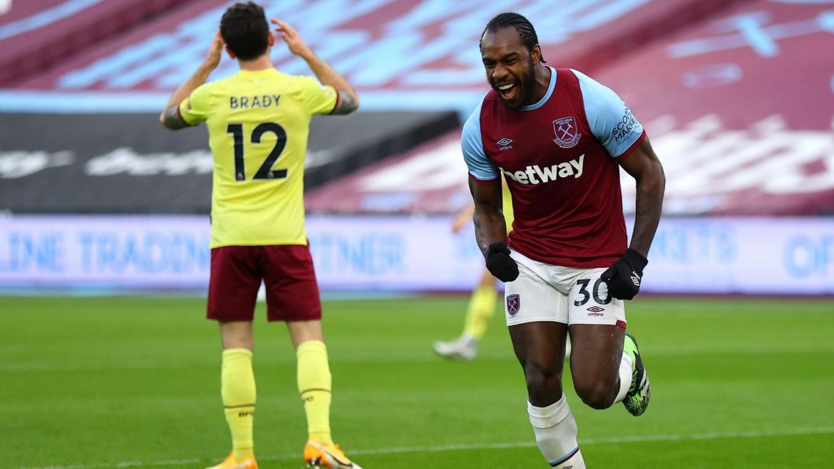 Tiền đạo: Michal Antonio (West Ham)