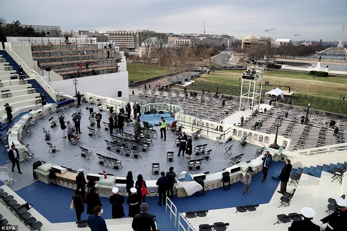 Dù Tổng thống Trump tuyên bố không dự lễ nhậm chức của ông Biden, Phó Tổng thống Mike Pence cho biết, ông sẽ tham dự sự kiện này, thể hiện sự ủng hộ với quá trình chuyển giao quyền lực hòa bình. Ảnh: Reuters