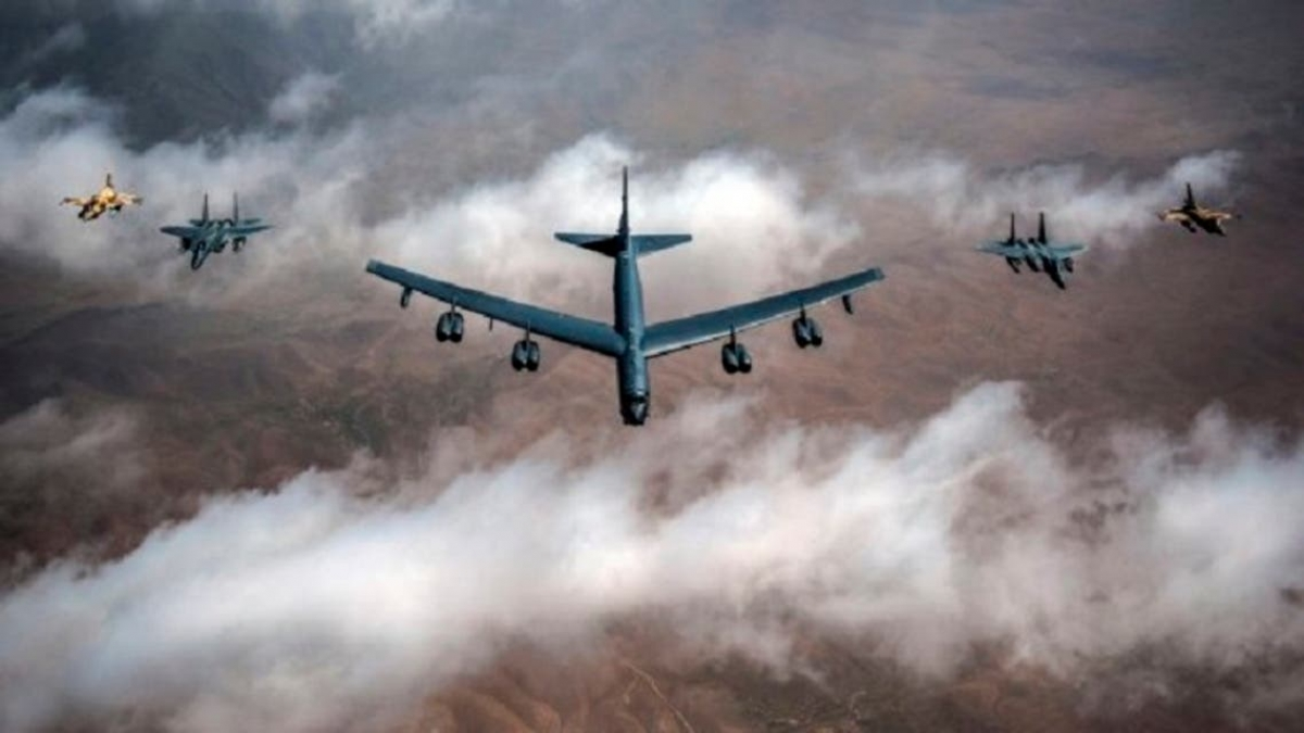 Mỹ lại điều máy bay ném bom chiến lược B-52 tới vùng Vịnh để răn đe Iran. Ảnh: Al Arabya