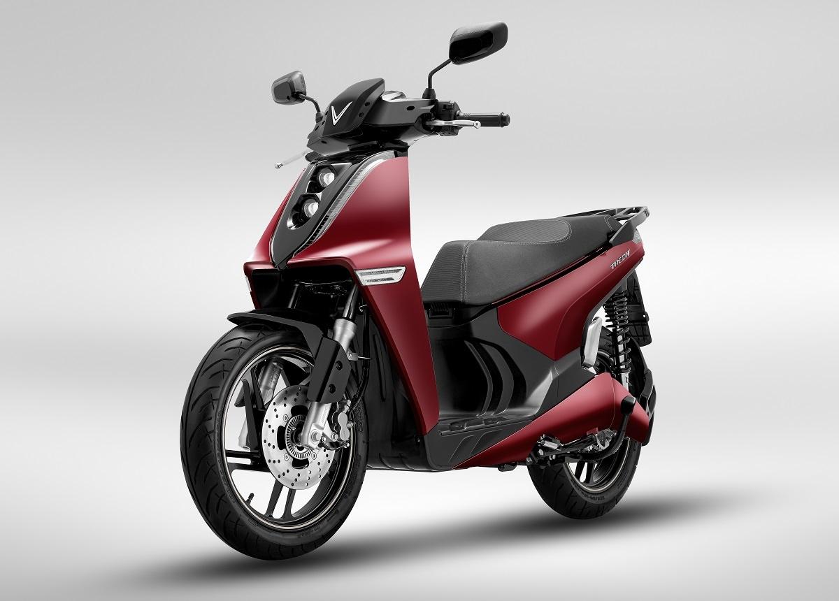 Theon là dòng xe máy điện đại diện cho tốc độ, sự sáng tạo, phát triển không ngừng của VinFast.