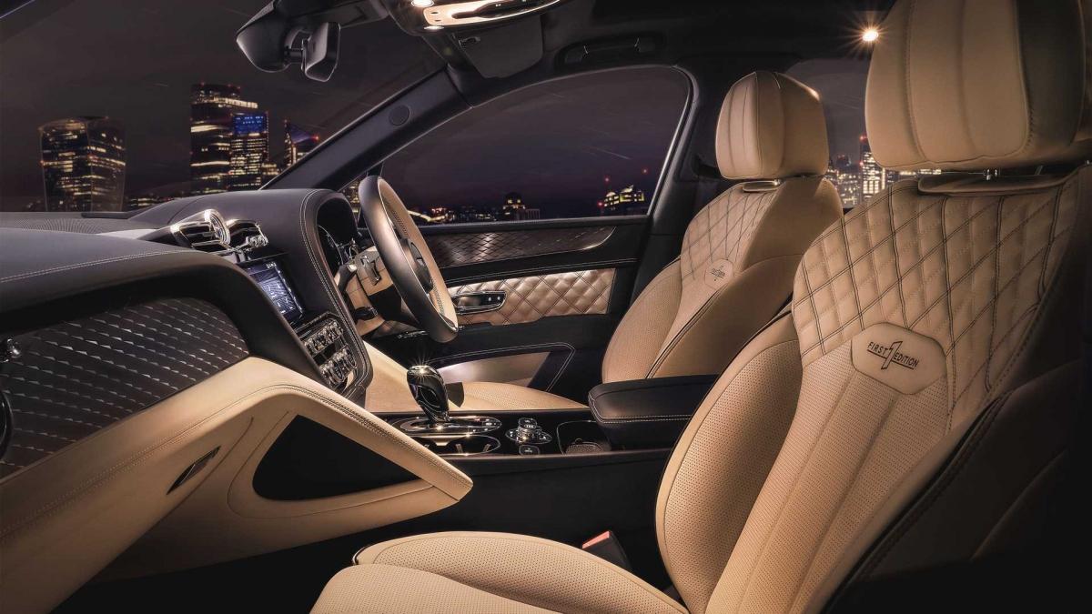 Giá bán dự kiến của Bentley dành cho chiếc SUV lai điện Bentayga Hybrid mới của họ sẽ khởi điểm ở mức 160.000 USD.