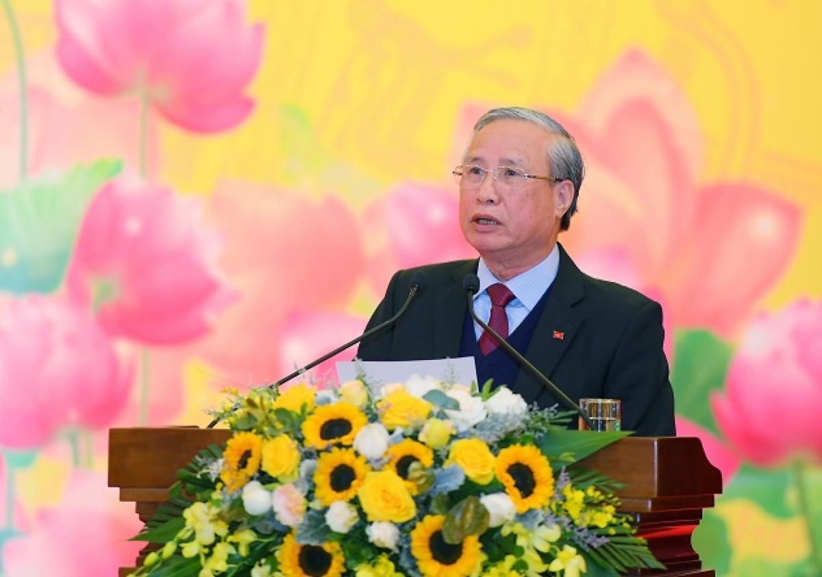 Ông Trần Quốc Vượng phát biểu chỉ đạo hội thảo.