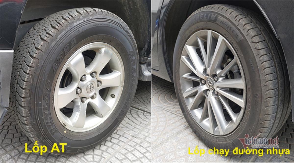 Lốp AT với ta-lông kiểu hoa khối với sự hiện diện của các khối hình độc lập trên bề mặt lốp giúp tăng độ bám đường, trong khi loại lốp chạy đường nhựa thường có các gân dọc giúp đi êm, ít ồn, tiết kiệm nhiên liệu nhưng sức kéo và chống trượt không thể bằng AT.