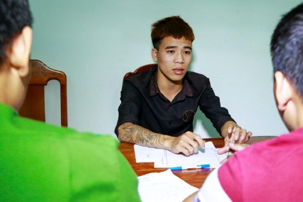 Nghi can Nguyễn Khắc Bi tại cơ quan điều tra.