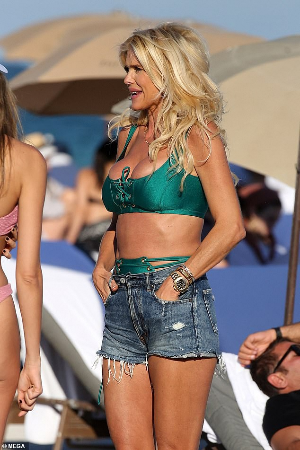 Ở tuổi 47,Hoa hậu Thuỵ Điển năm 1993 vẫn khiến công chúng ngưỡng mộ bởi sắc vóc tươi trẻ, thần thái rạng ngời.