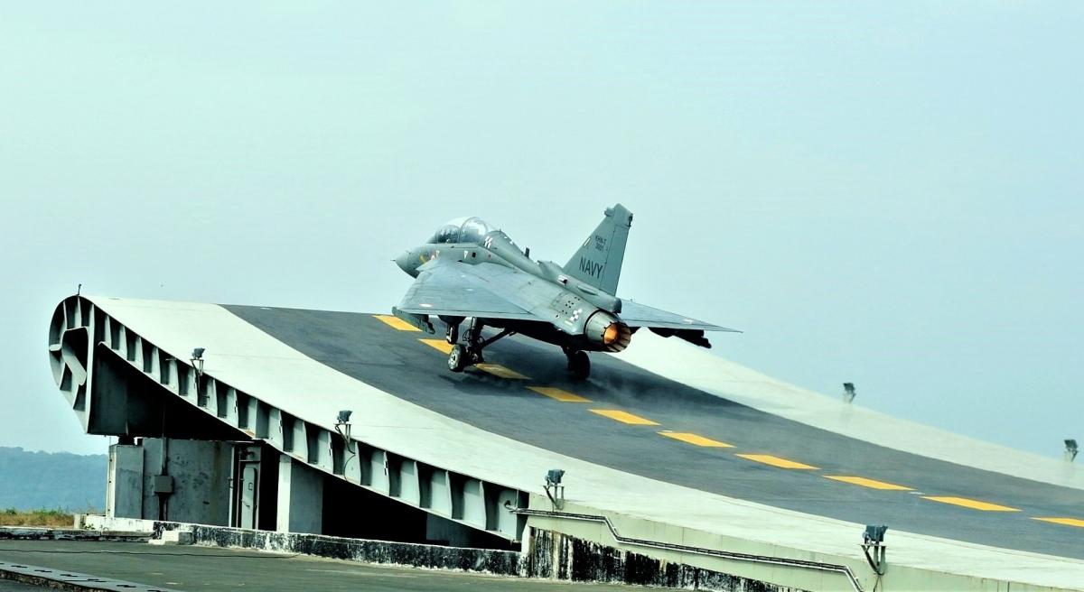 Chiếc Tejas dành cho Không quân Hải quân Ấn Độ; Nguồn: wikipedia.org
