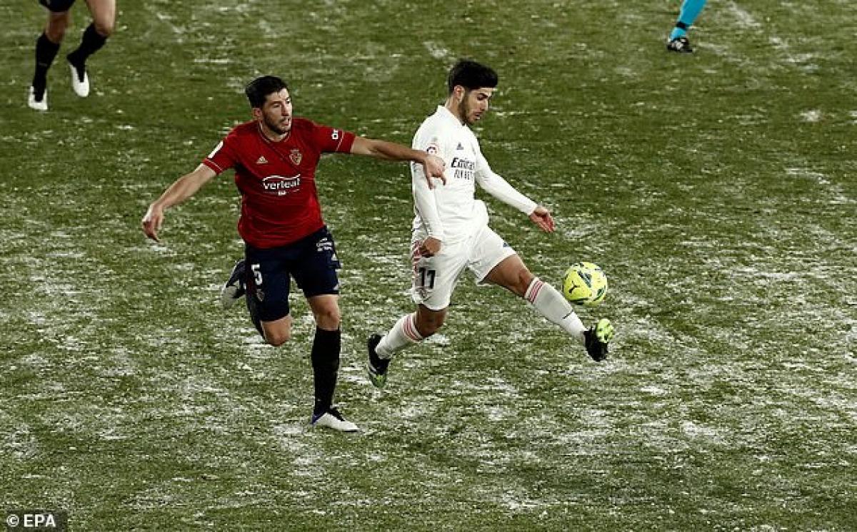 Real Madrid đang bị ảnh hưởng nặng nề bởi bão tuyết ở Tây Ban Nha. (Ảnh: EPA).
