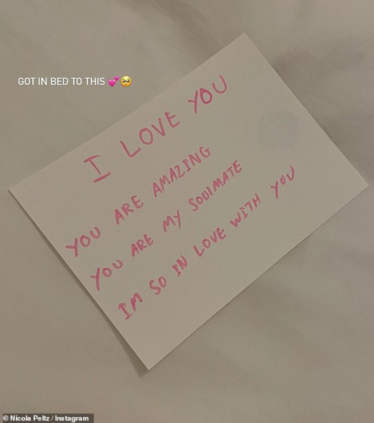 Brooklyn Beckham viết thư tình cho bạn gái
