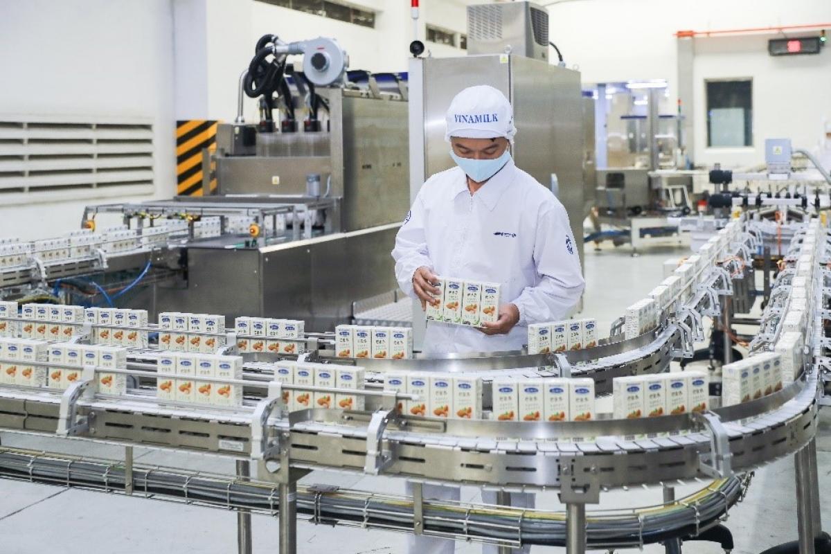 Dây chuyền sản xuất sữa hạt xuất khẩu hiện đại tại nhà máy của Vinamilk có thể đáp ứng được các tiêu chuẩn của nhiều nước như Singapore, Hàn Quốc, Trung Quốc…