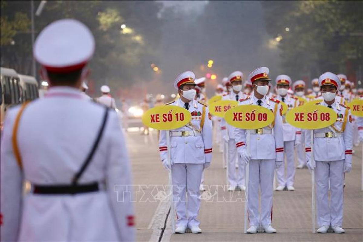 Lực lượng quân đội tham gia tổng duyệt nội dung đưa đoàn đại biểu vào Lăng viếng Chủ tịch Hồ Chí Minh. Ảnh: Dương Giang - TTXVN