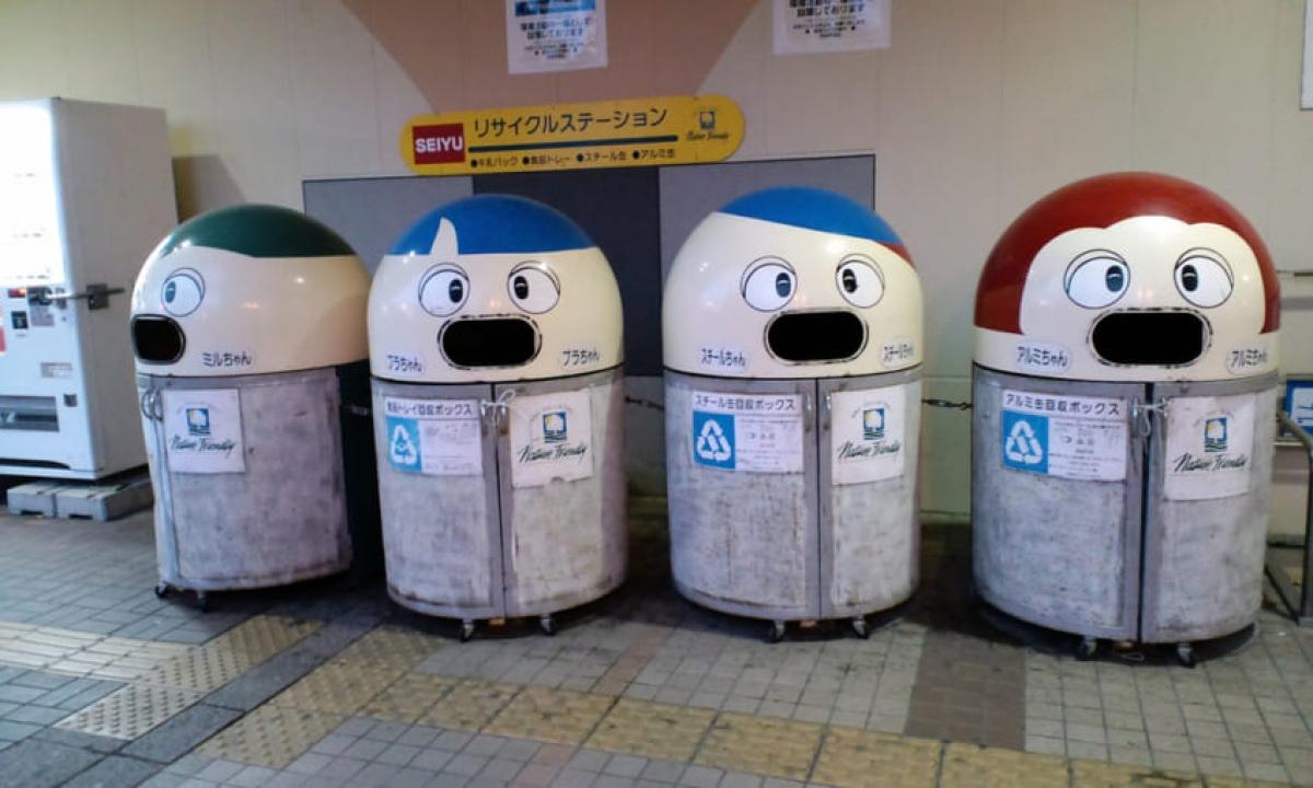 Các thùng đựng rác thải phân loại tại Nhật Bản. Ảnh: Taiken.co