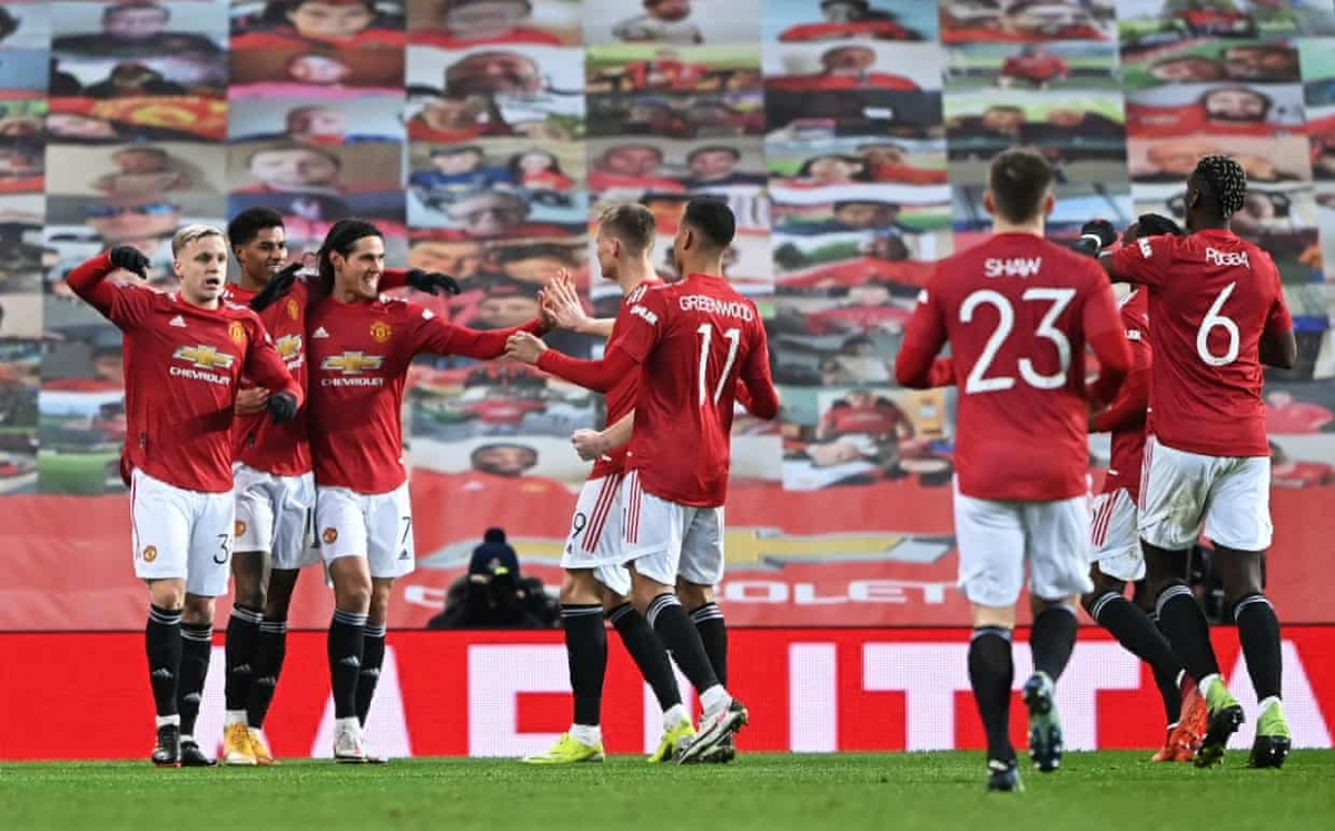 Đầu hiệp 2, MU vượt lên dẫn trước Liverpool 2-1.