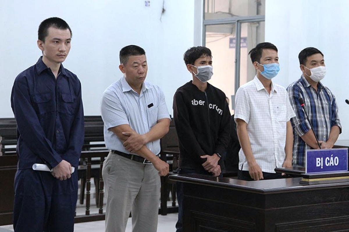 5 bị cáo tại phiên tòa