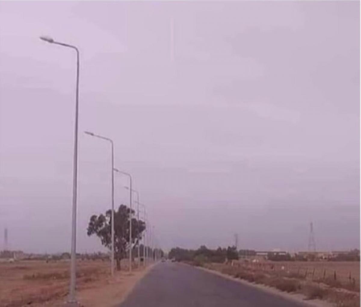 Đèn đường quay đi đâu thế kia.